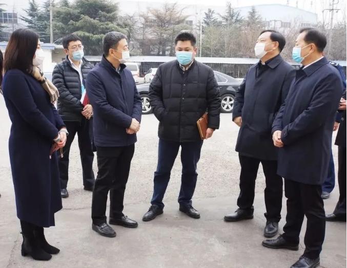 胶州市委副书记来远见集团旗下旺年公司督导进口冷链食品疫情防控工作